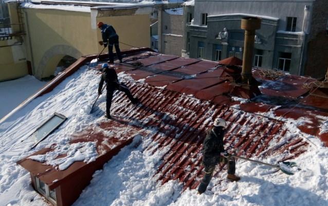 очистка крыш от снега