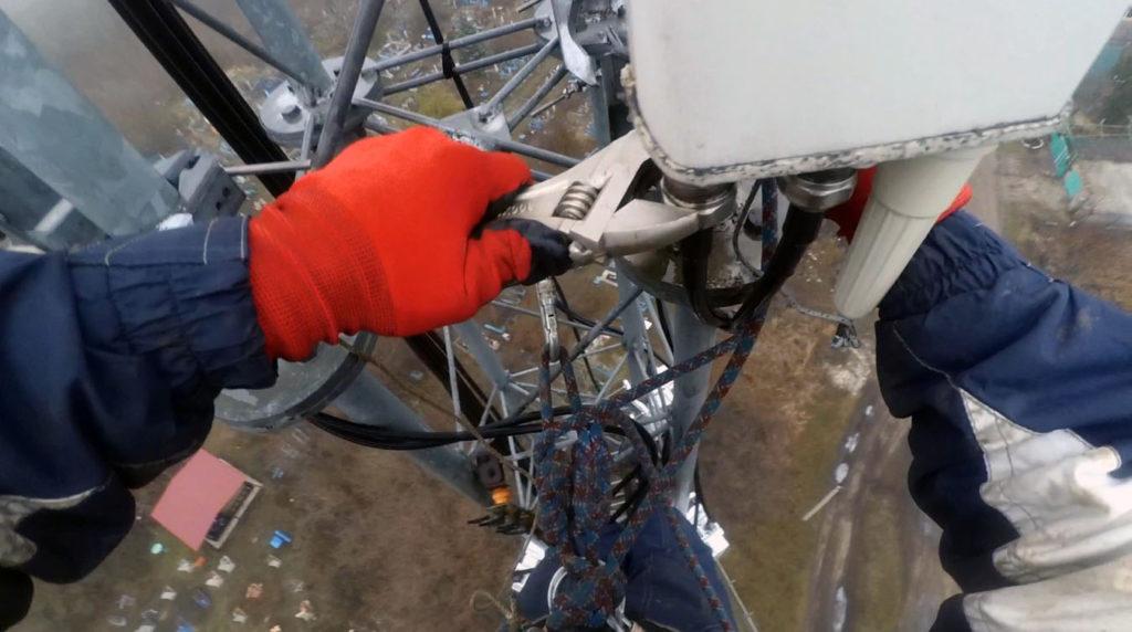 Фото демонтажа фидеров у антенны
