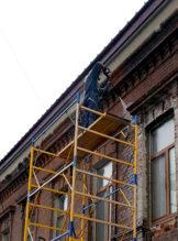 Гидроструйная очистка фасада с помощью минимойки