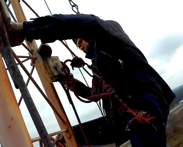 Disassembly of guy wires on antenna-feeder equipment – СК Паук