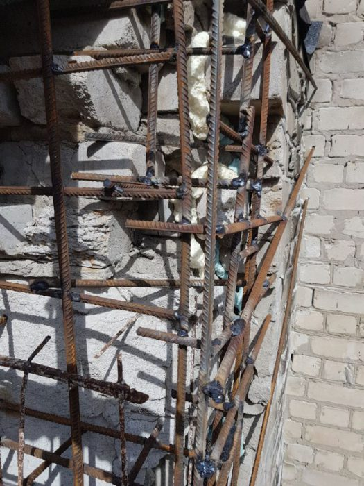 Восстановление поврежденной плиты промышленными альпинистами
