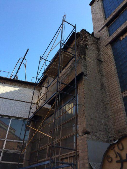 Восстановление поврежденной плиты промышленными альпинистами_1 фото