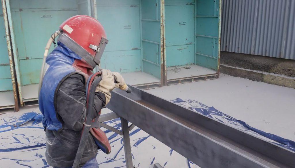 Фото пескоструйной обработки фасадов, металлоконструкций, цистерн, портовых кранов