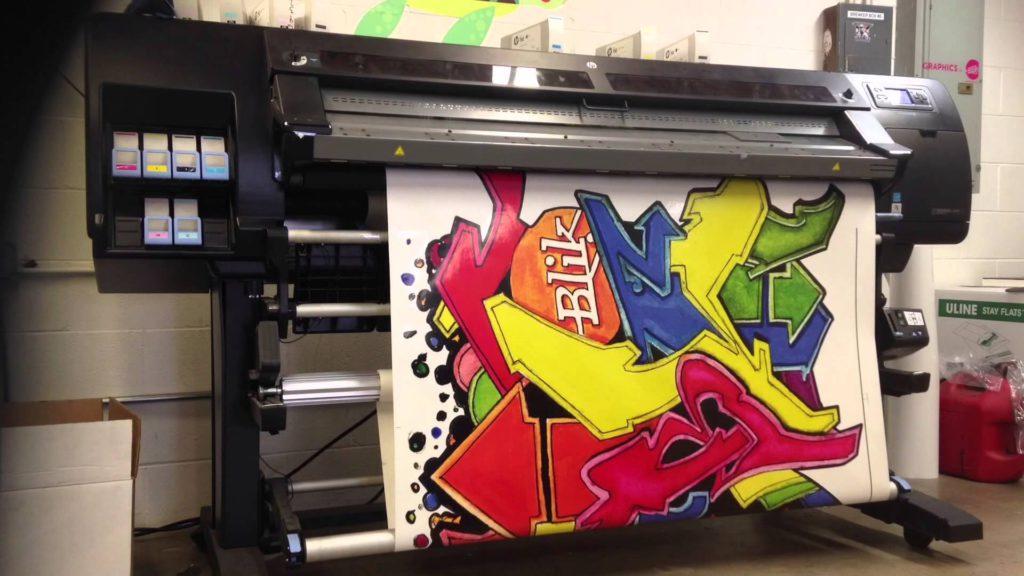 Печать на виниловых обоях