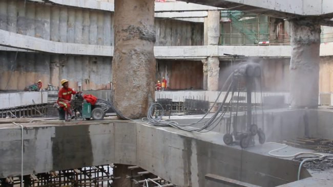 Фото алмазного сверления бетона